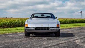 1972-Ferrari-365-GTB-4-Daytona-front